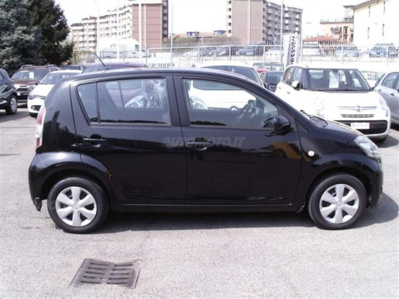 Sold Daihatsu Sirion Usata 2009 Used Cars For Sale