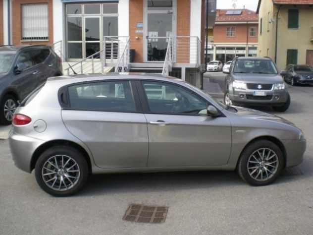 sold alfa romeo 147 1 9 jtd 120 cv used cars for sale autouncle. Black Bedroom Furniture Sets. Home Design Ideas