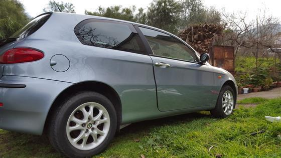 sold alfa romeo 147 1 9 jtd 11 used cars for sale autouncle. Black Bedroom Furniture Sets. Home Design Ideas