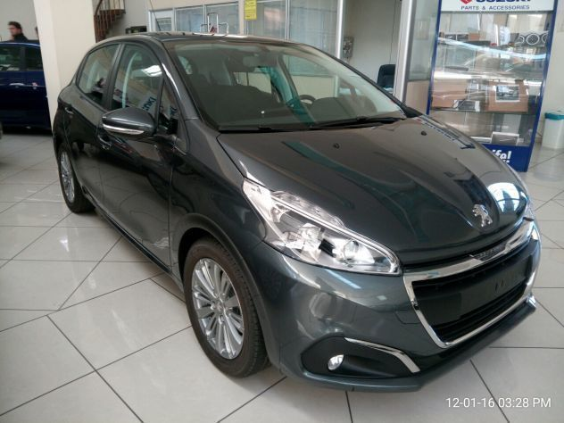 sold peugeot 208 1 6hdi 75cv 5port used cars for sale autouncle. Black Bedroom Furniture Sets. Home Design Ideas