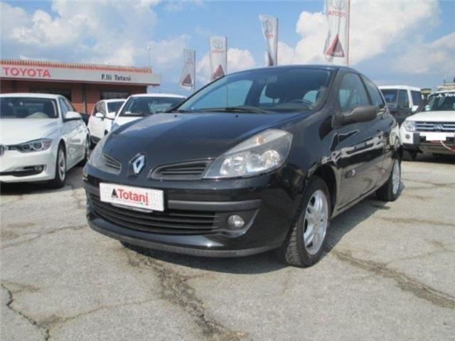 sold renault clio iii 1 5 dci 70cv used cars for sale autouncle. Black Bedroom Furniture Sets. Home Design Ideas