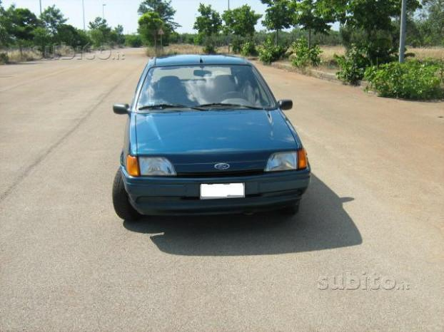 1 4 Usata Ford Fiesta Cayman Blue