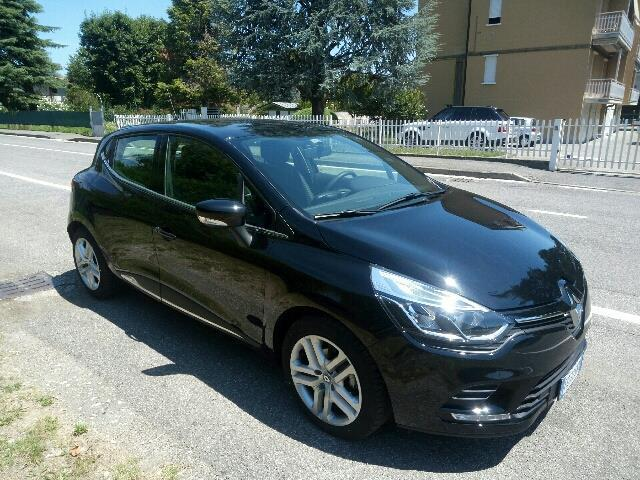 sold renault clio tce 12v 90cv sta used cars for sale autouncle. Black Bedroom Furniture Sets. Home Design Ideas