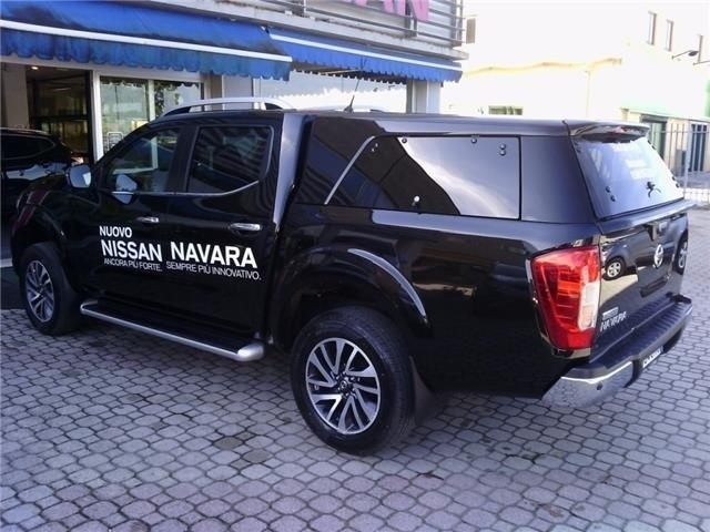 sold nissan navara 2 3 dci 190 cv used cars for sale autouncle. Black Bedroom Furniture Sets. Home Design Ideas