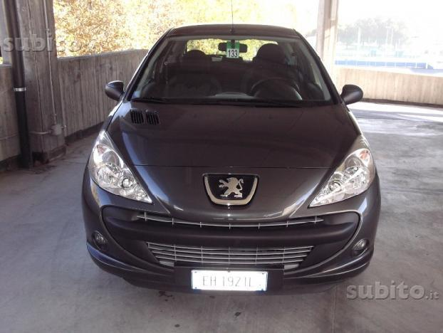 sold peugeot 206 trendy 1 1 60cv used cars for sale autouncle. Black Bedroom Furniture Sets. Home Design Ideas