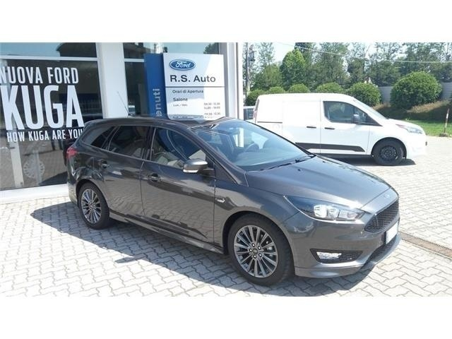 sold ford focus 1 5 tdci 120 cv st used cars for sale autouncle. Black Bedroom Furniture Sets. Home Design Ideas
