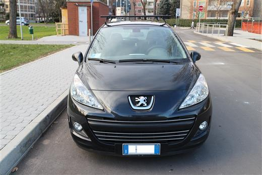 sold peugeot 207 1 6 hdi 90cv 5 used cars for sale autouncle. Black Bedroom Furniture Sets. Home Design Ideas
