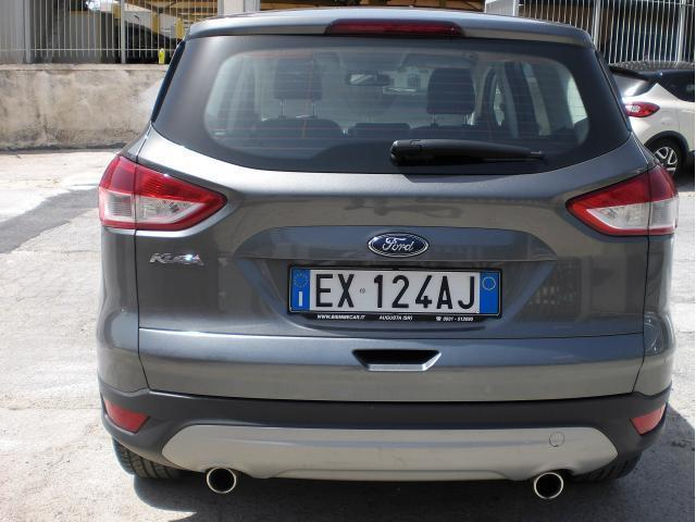 usato 2 0 tdci 140 cv 4wd titanium ford kuga 2014 km in augusta siracusa. Black Bedroom Furniture Sets. Home Design Ideas
