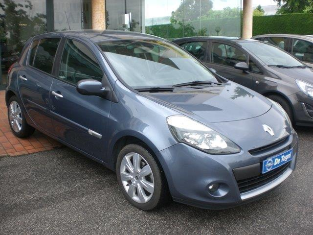 sold renault clio 1 5 dci 105cv 5 used cars for sale autouncle. Black Bedroom Furniture Sets. Home Design Ideas