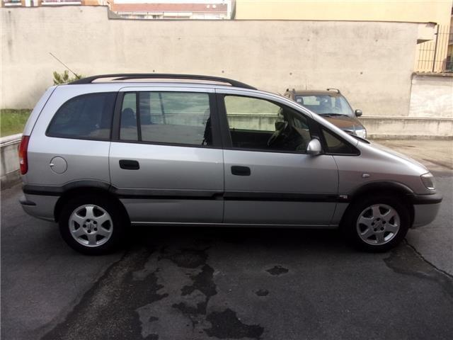 usato 2 2 16v dti cat elegance 7posti opel zafira 2003 km in torino to. Black Bedroom Furniture Sets. Home Design Ideas