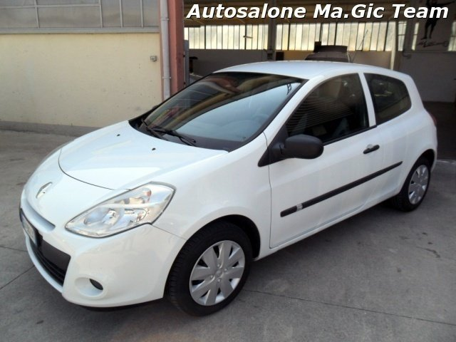 sold renault clio 1 5 dci 65cv 3 p used cars for sale autouncle. Black Bedroom Furniture Sets. Home Design Ideas