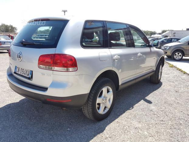 sold vw touareg 2 5 tdi r5 2004 used cars for sale autouncle. Black Bedroom Furniture Sets. Home Design Ideas