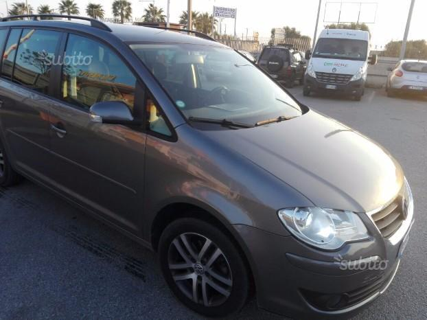 sold vw touran 2007 used cars for sale autouncle. Black Bedroom Furniture Sets. Home Design Ideas