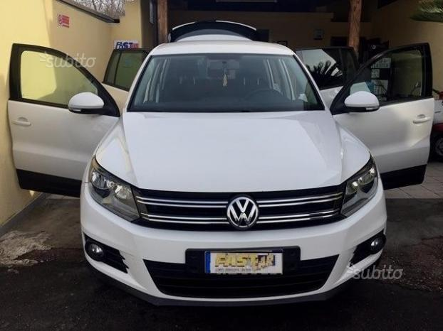 sold vw tiguan 2 0 tdi 140 cv 20 used cars for sale autouncle. Black Bedroom Furniture Sets. Home Design Ideas
