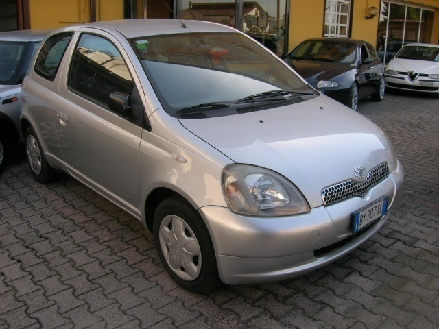 sold toyota yaris usata del 2002 a used cars for sale autouncle. Black Bedroom Furniture Sets. Home Design Ideas
