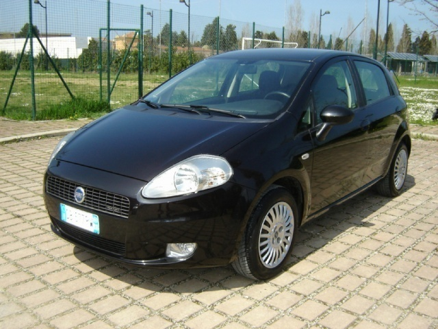 sold fiat grande punto 1 3 mjt 75 used cars for sale autouncle. Black Bedroom Furniture Sets. Home Design Ideas