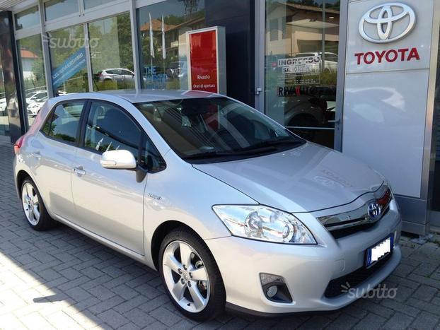 sold toyota auris 1 8 hybrid 5 por used cars for sale autouncle. Black Bedroom Furniture Sets. Home Design Ideas