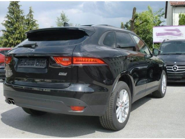 sold jaguar f pace 2 0 d 180 cv aw used cars for sale autouncle. Black Bedroom Furniture Sets. Home Design Ideas