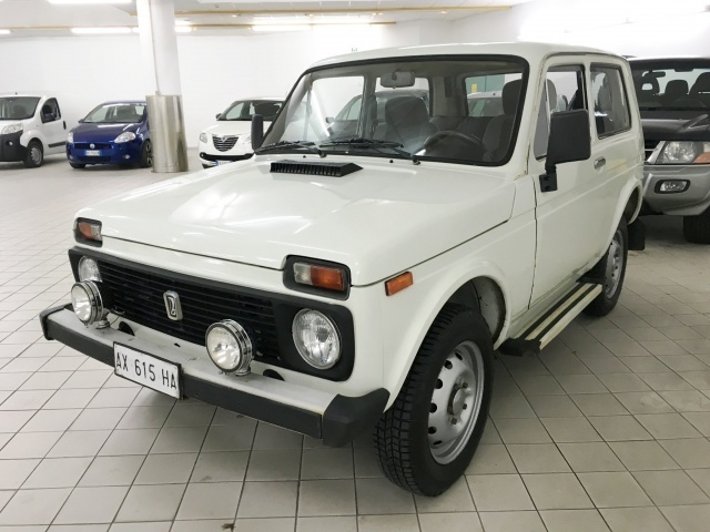 sold lada niva 1 6 gpl asi used cars for sale autouncle. Black Bedroom Furniture Sets. Home Design Ideas