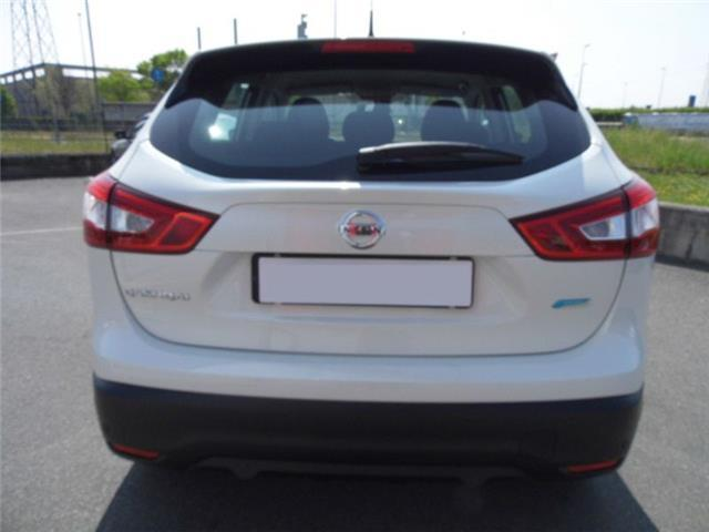 sold nissan qashqai 1 5 dci 110 cv used cars for sale autouncle. Black Bedroom Furniture Sets. Home Design Ideas