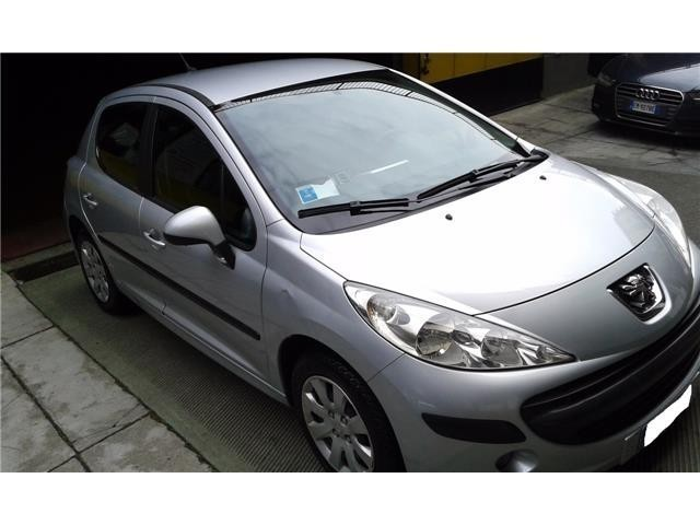 usato 1 4 hdi 70cv 5p x line peugeot 207 2007 km in milano mi. Black Bedroom Furniture Sets. Home Design Ideas
