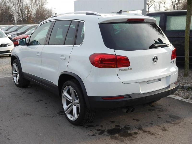 sold vw tiguan 2 0 tdi dpf lounge used cars for sale. Black Bedroom Furniture Sets. Home Design Ideas