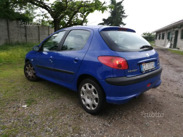 sold peugeot 206 1 6 hdi fap 5p xt used cars for sale autouncle. Black Bedroom Furniture Sets. Home Design Ideas