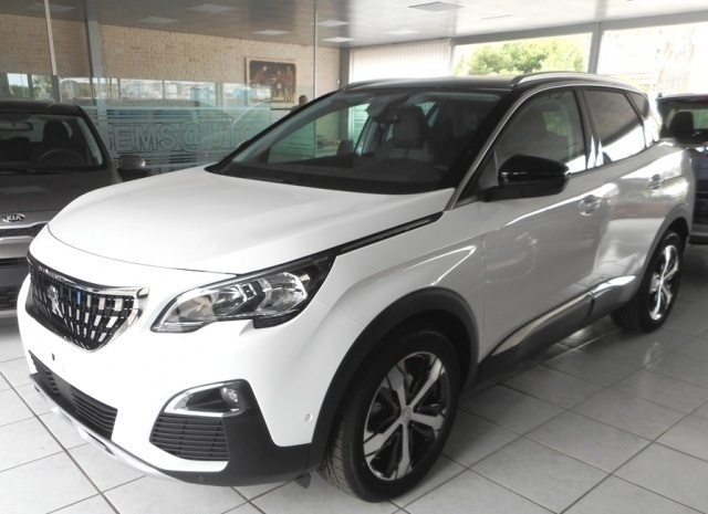 sold peugeot 3008 km 0 del 2017 a used cars for sale autouncle. Black Bedroom Furniture Sets. Home Design Ideas