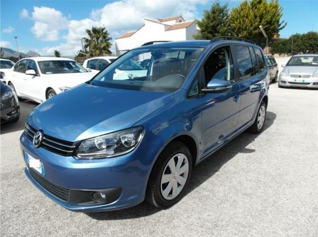 sold vw touran 1 6 tdi 105 cv dsg used cars for sale autouncle. Black Bedroom Furniture Sets. Home Design Ideas