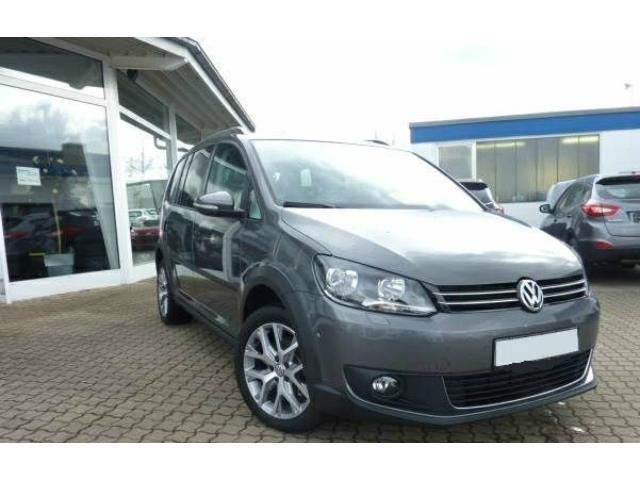 sold vw touran 2 0 tdi 140 cv cross used cars for sale autouncle. Black Bedroom Furniture Sets. Home Design Ideas