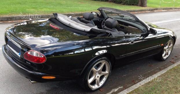 venduto jaguar xkr cabrio auto usate in vendita. Black Bedroom Furniture Sets. Home Design Ideas