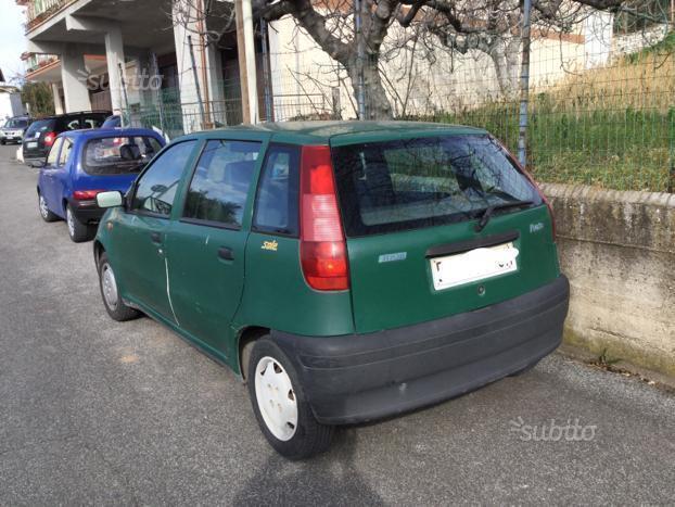 Fiat Punto Prima Serie on fiat stilo, fiat ritmo, fiat 500 turbo, fiat marea, fiat seicento, fiat linea, fiat coupe, fiat barchetta, fiat multipla, fiat bravo, fiat 500l, fiat cars, fiat cinquecento, fiat 500 abarth, fiat panda, fiat doblo, fiat x1/9, fiat spider,