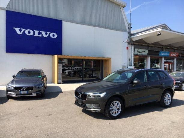 usato d4 awd geartronic business volvo xc60 2017 km 0 in modena mo. Black Bedroom Furniture Sets. Home Design Ideas