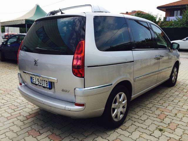 sold peugeot 807 2 0 hdi 136cv all used cars for sale autouncle. Black Bedroom Furniture Sets. Home Design Ideas