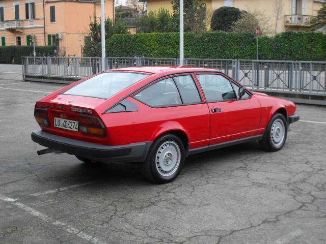 sold alfa romeo gtv 2500 v6 used cars for sale autouncle. Black Bedroom Furniture Sets. Home Design Ideas