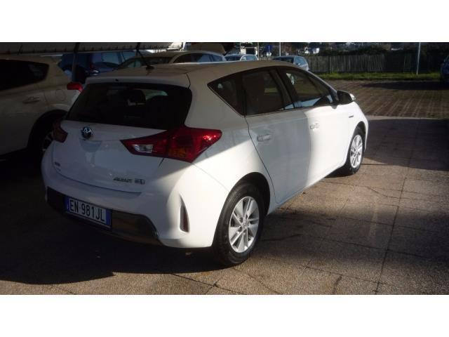 sold toyota auris 1 8 hybrid active used cars for sale autouncle. Black Bedroom Furniture Sets. Home Design Ideas
