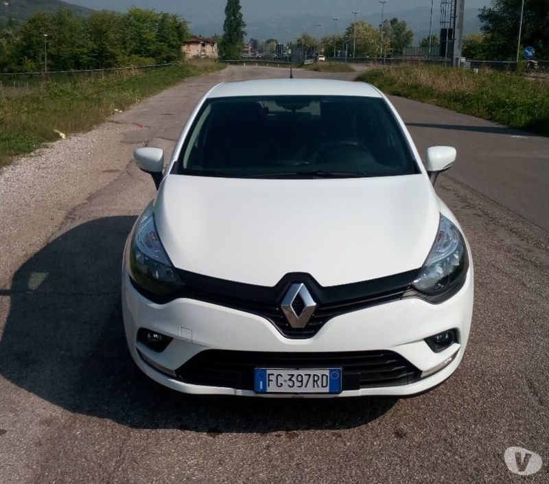 Renault Clio 4: Sold Renault Clio IV Life Restyling