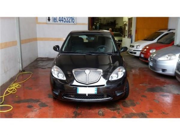 Risparmia 300 lancia ypsilon 1 2 benzin 69 cv 2011 roma autouncle - Lancia diva usata ...