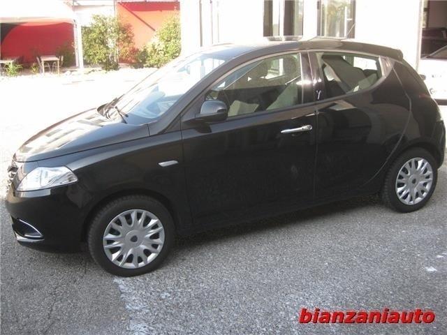 Sold lancia ypsilon 1 3 mjt 16v 95 used cars for sale for Interno ypsilon