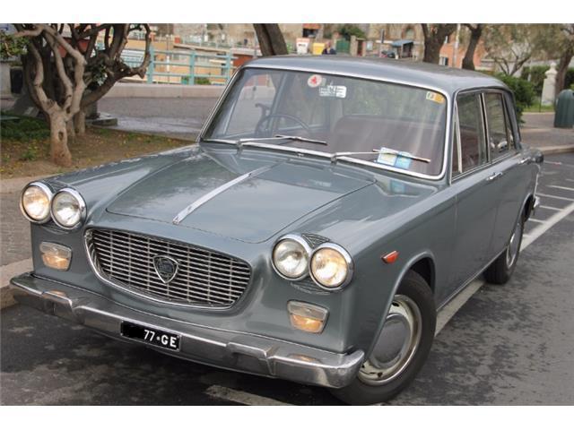 https://images.autouncle.com/it/car_images/e9e8a9da-fc23-48a2-b404-1094b0ea93fa_lancia-flavia-1-5.jpg