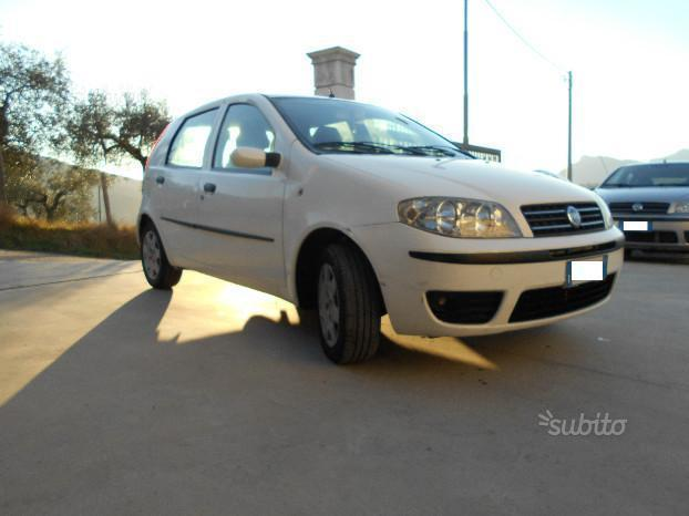 Sold Fiat Punto 1.9 JTD 5 PORTE CL. - used cars for sale - AutoUncle