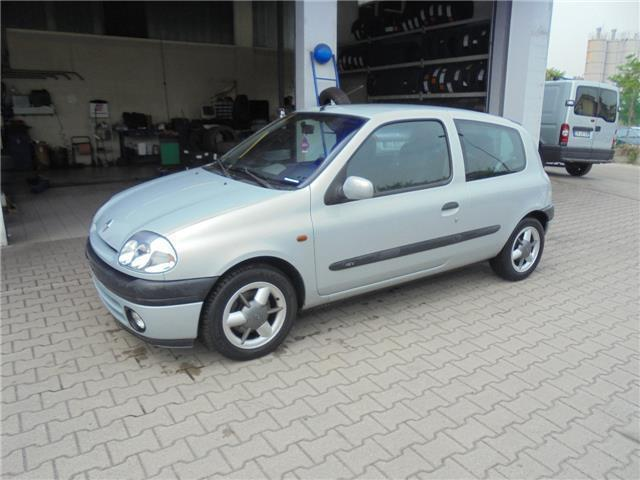 sold renault clio 1 6 16v cat 3 po used cars for sale autouncle. Black Bedroom Furniture Sets. Home Design Ideas