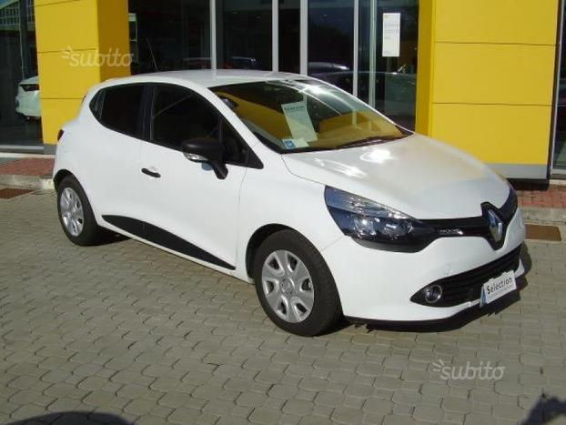 sold renault clio 15 dci 90cv ss used cars for sale autouncle. Black Bedroom Furniture Sets. Home Design Ideas