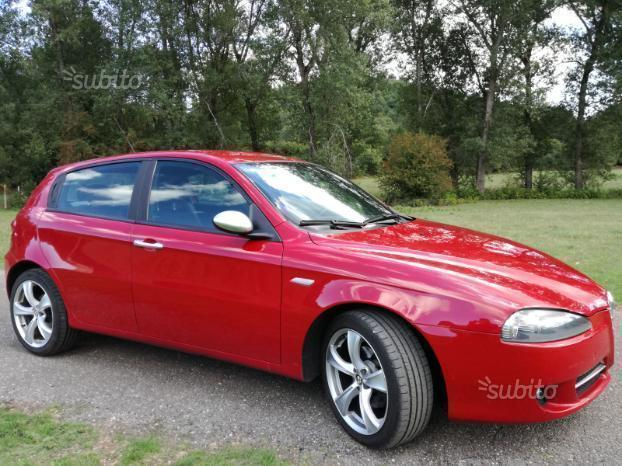 sold alfa romeo 147 jtd q2 150 cv used cars for sale autouncle. Black Bedroom Furniture Sets. Home Design Ideas