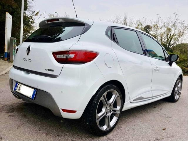 sold renault clio 1 2 tce 120cv ed used cars for sale autouncle. Black Bedroom Furniture Sets. Home Design Ideas