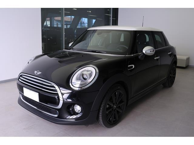 sold mini cooper d 1 5 5 porte used cars for sale. Black Bedroom Furniture Sets. Home Design Ideas