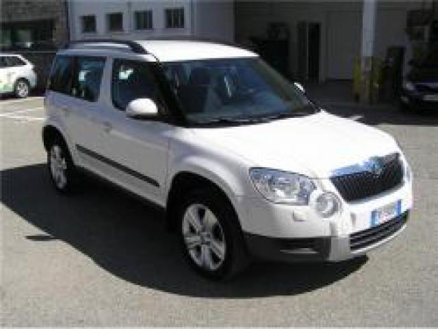 usato 2 0 tdi cr 110cv ambition skoda yeti 2013 km 102. Black Bedroom Furniture Sets. Home Design Ideas