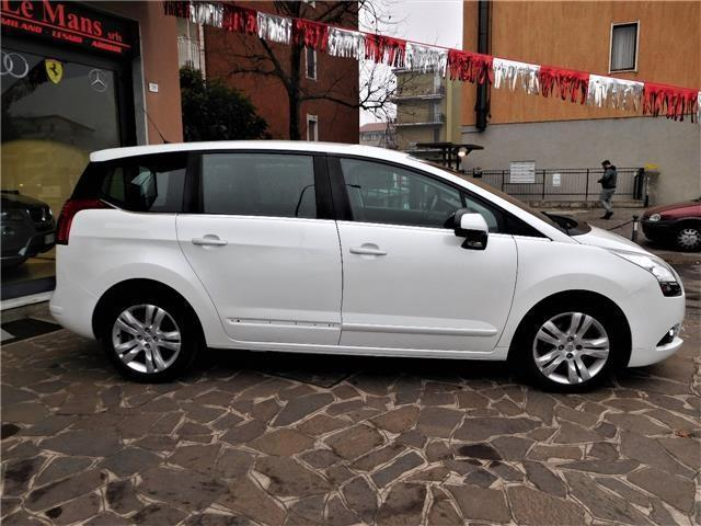 Sold Peugeot 5008 2 0 Hdi 163cv Au Used Cars For Sale