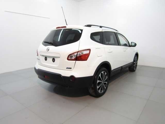 sold nissan qashqai 2 1 6 dci 130 used cars for sale autouncle. Black Bedroom Furniture Sets. Home Design Ideas
