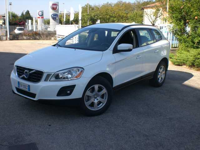 sold volvo xc60 awd kinetic used cars for sale. Black Bedroom Furniture Sets. Home Design Ideas